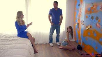 Brandi Love ardente e rapace impazzisce durante un fantastico trio MFF.